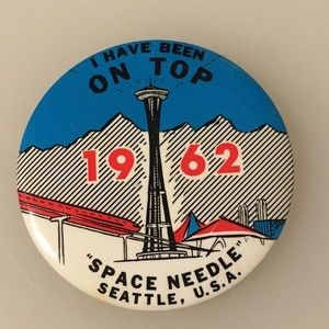 Vintage Worlds Fair Pin